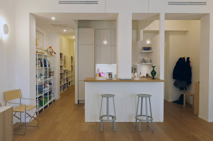 rehabito quadrilocale milano bagno zona giorno soggiorno angolo cottura piano snack cucina a vista
